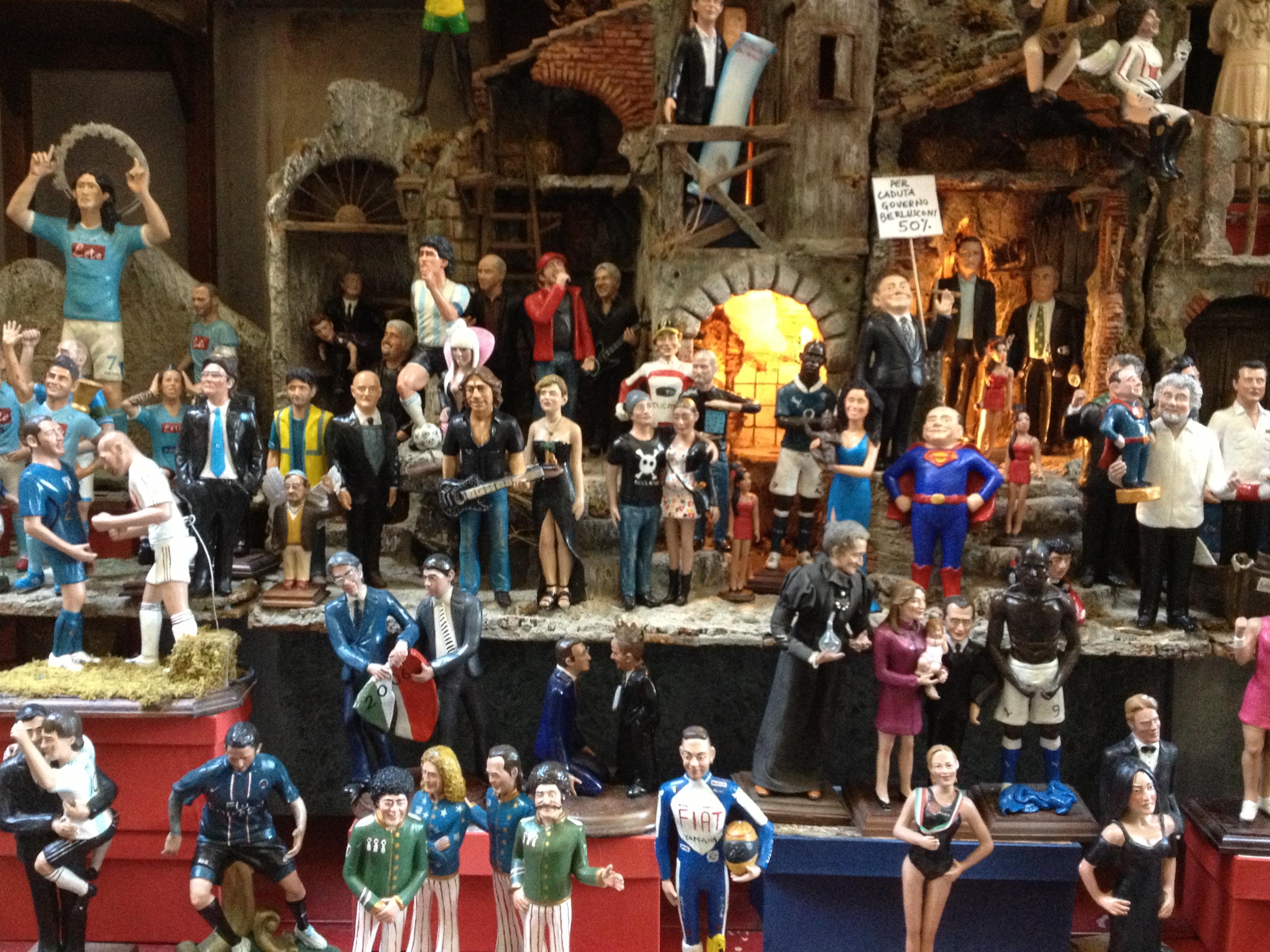 Le statuette dei personaggi famosi in via San Gregorio Armeno